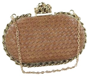 Fashionette Style Boutique Khaki Clutch