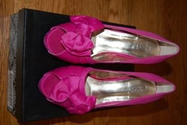 Item - Pink Perfect Formal Size US 8