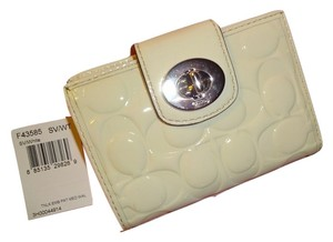 Coach COACH Embossed White Leather Signature Bifold Turn Lock Turnlock Wallet 43585 NEW!