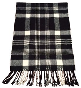 Brandy Melville Black and white Plaid winter scarf