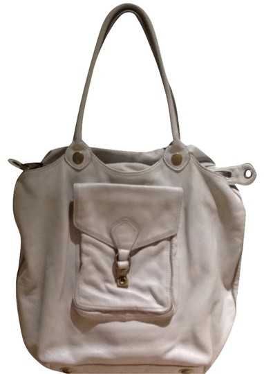 Preload https://item3.tradesy.com/images/marc-by-marc-jacobs-oversized-tote-vintage-white-leather-shoulder-bag-756922-0-0.jpg?width=440&height=440