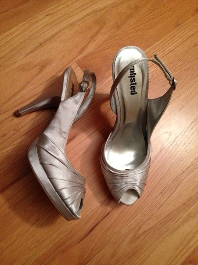 Unlisted by Kenneth Cole Silver Formal