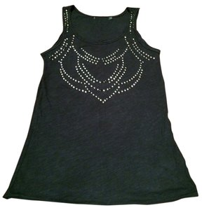 Reserved Studded Studs Top Black
