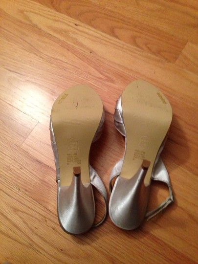 Unlisted by Kenneth Cole Silver Size US 9.5 Regular (M, B)
