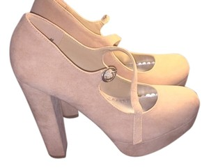 Bamboo Tan Pumps