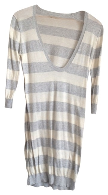 Preload https://item3.tradesy.com/images/banana-republic-white-and-grey-stripe-above-knee-short-casual-dress-size-8-m-758067-0-0.jpg?width=400&height=650