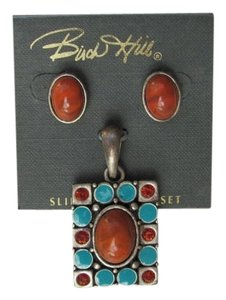 BRICK HILL NEW ON CARD SET PENDANT EARRINGS