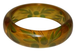 1940S Apple Juice & Green Colored Carved Bakelite Bangle