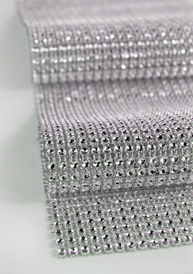Preload https://img-static.tradesy.com/item/75941/diamondsilk-white-475-wide-x-65-feet-wrap-reception-decoration-0-0-540-540.jpg