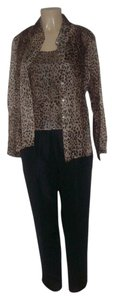 Robbie Bee Pre Owned Robbie Bee 100% Silk Leopard Shirt Cami Pants Suit Size 10
