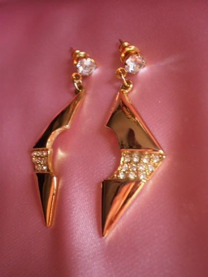 Preload https://item3.tradesy.com/images/gold-unique-goldtone-and-crystals-earrings-760402-0-0.jpg?width=440&height=440