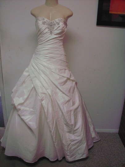 Bonny Bridal 202 Wedding Dress