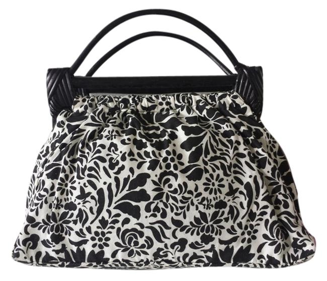 Item - Floral Pattern with Faux Wood Handle Black/White Cotton/Polyester Baguette