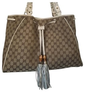 Gucci Tote in Beige, Brown, Tan