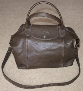 Longchamp Le Pliage Cuir Small Taupe Lambskin Leather Shoulder Bag 43% off  retail