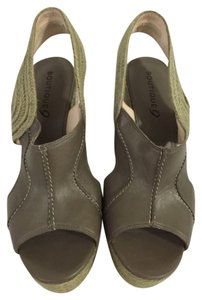 Boutique 9 Gray Wedges