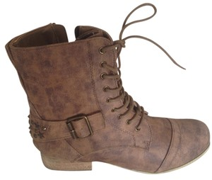 Coconuts NEW distressed brown Boots