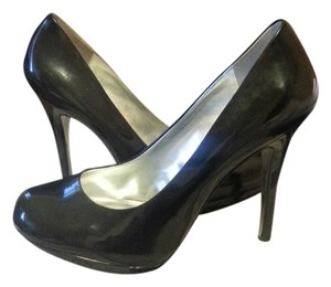 Jessica Simpson Shinny Black Pumps