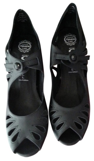 Preload https://item4.tradesy.com/images/jeffrey-campbell-black-edna-cut-out-new-wedges-size-us-95-762293-0-0.jpg?width=440&height=440