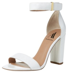 Ava & Aiden White Leather Pumps