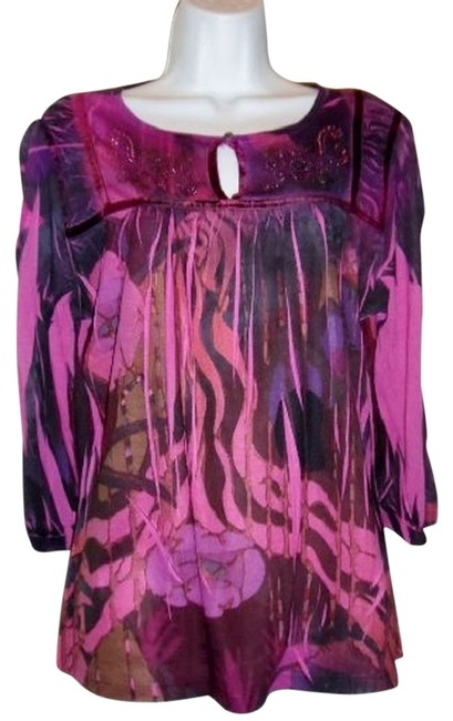 New Directions Bohemian Embellished Keyhole 3/4 Sleeve Top Fuschia