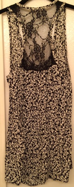 Forever 21 Lace Mesh Floral Sleevelss Racerback Top Black & White