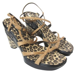 Bisou Bisou Brown Wedges