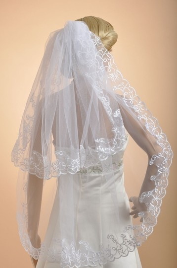 2t White Tulle Lace Edge Embroider Bridal Wedding Veil--new!!!!