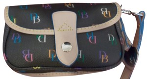 Dooney & Bourke Wristlet in Black Signature w/Tan Trim