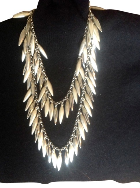 Item - Silver Dangling Necklace