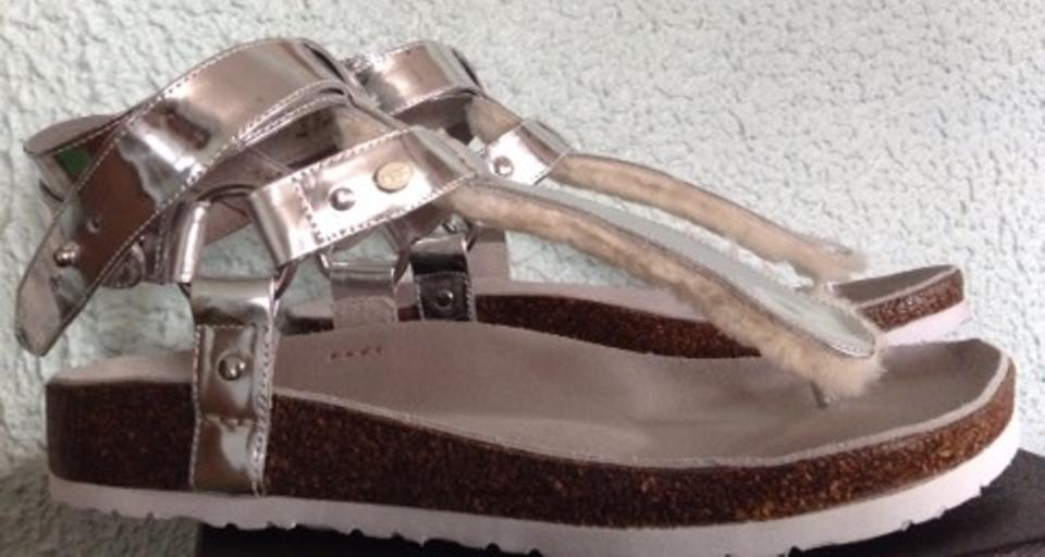 ba390a4bd20 Australia Luxe Collective Thong Platform Shearling Leather Chica Genuine  Shearling Lined Silver Sandals Image 7. 12345678