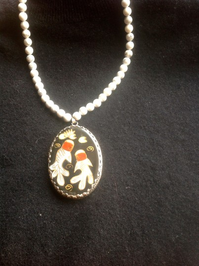Other Necklace with medallion