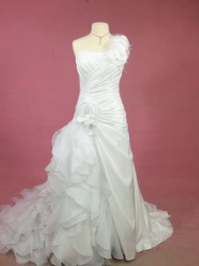 Alfred Angelo 210 Wedding Dress
