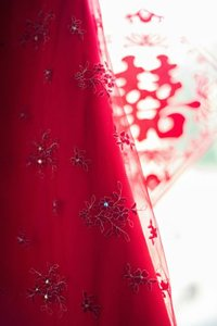 Red Lace Traditional Wedding Dress Size 6 (S)