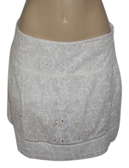 Item - White New with Tags Cotton Eyelet Mini Skirt Size 8 (M, 29, 30)