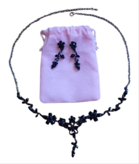 Preload https://item4.tradesy.com/images/black-and-silver-flowers-vines-earring-set-necklace-7645843-0-1.jpg?width=440&height=440