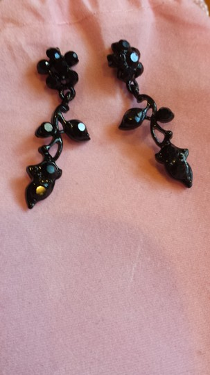 Other Flowers and Vines - Black - Necklace and Earring set