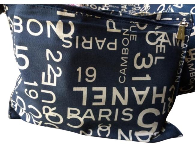 Item - Blue & White The Sea Case. Cosmetic Bag