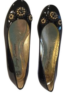 Juicy Couture Black patent Flats