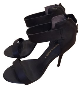 United Nude Blac Pumps