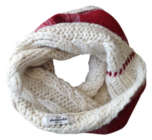 Item - Cream and Red Winter White Cable Cowl Scarf/Wrap