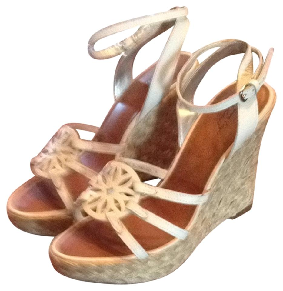 american eagle outfitters white wedges medallion