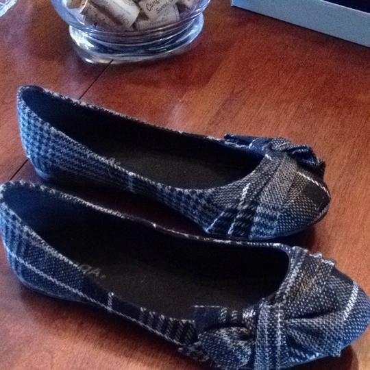 Soda Blu Grey Plaid Flats