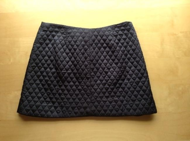 DKNY Jeans Quilted Mini Zip Size 12 Diamond Pattern Like New Mini Skirt Navy Blue