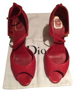 Dior Red Pumps