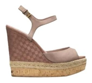 Gucci Taupe Wedges