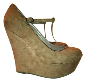 Breckelle's Wedges High Heels Faux Suede Brown Platforms