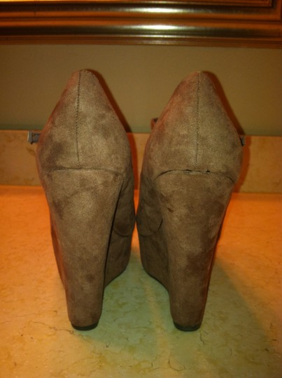 Breckelle's Wedges High Heels Faux Suede Brown Platforms Image 2