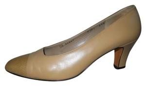 Salvatore Ferragamo Leather beige/tan Pumps