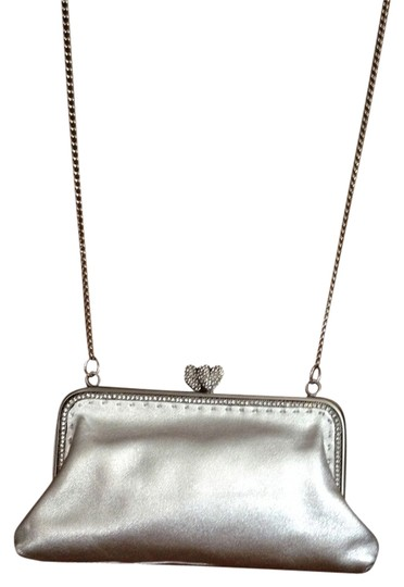 Preload https://img-static.tradesy.com/item/766292/besson-evening-with-a-long-chain-strap-silver-leather-shoulder-bag-0-0-540-540.jpg